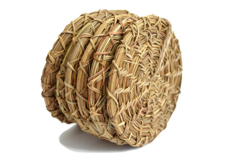 Juego de posavasos tejidos en manila