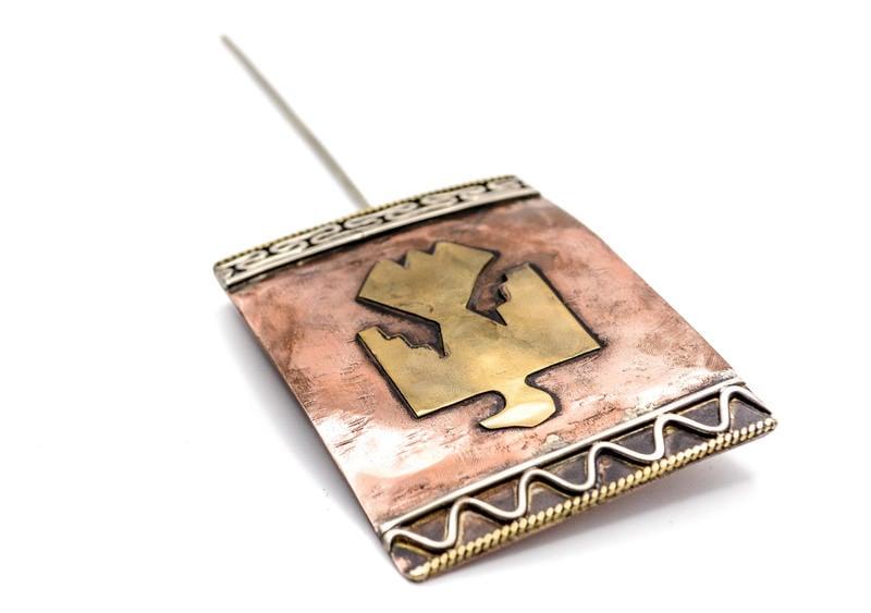 Gran tupu águila de bronce y cobre