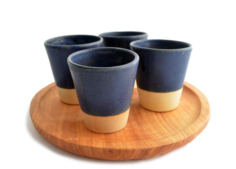 Set pisco sour en cerámica y madera nativa
