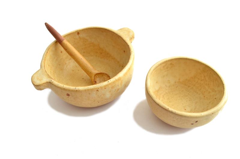 Set pocillos y cucharita en gres