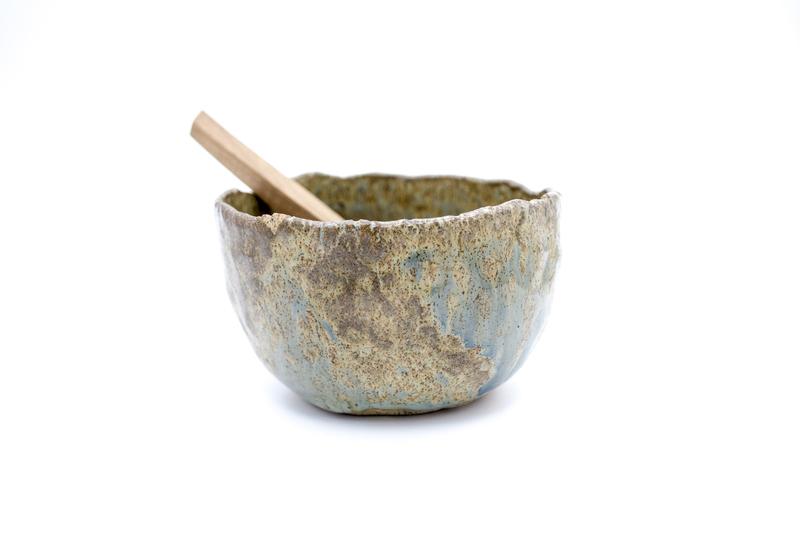 Pocillo modelado esmalte mineral