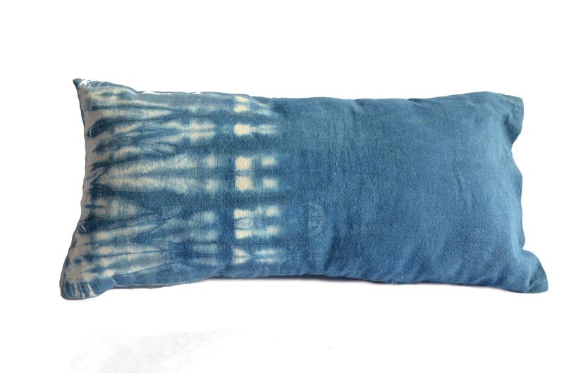 Cojín rectangular teñido amarras índigo