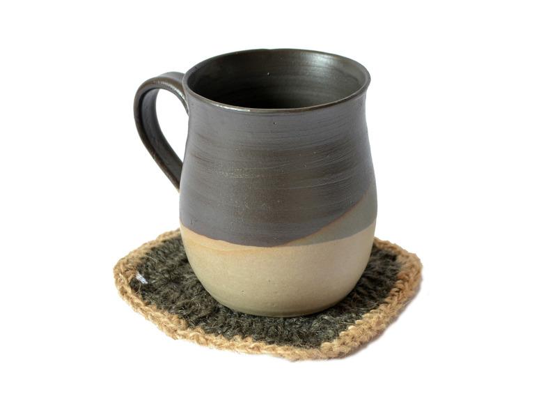 Tazón en tonos grises + mini individual de yute