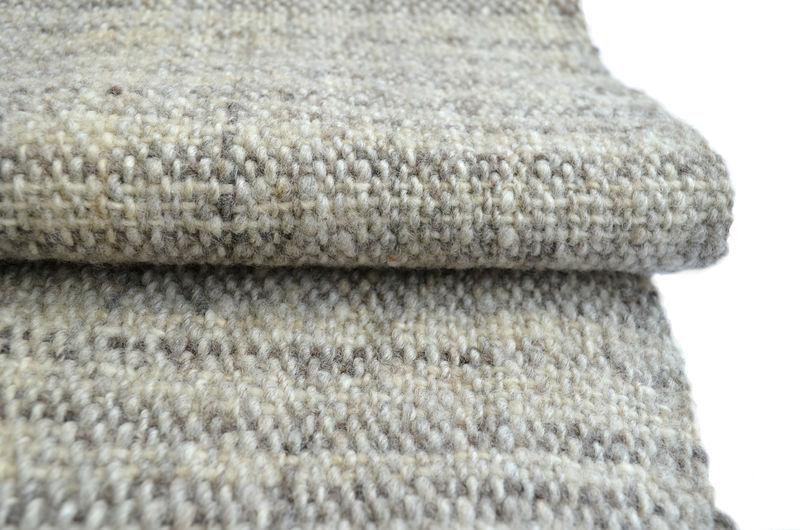 Chal o piecera en lana natural de 1 sola oveja
