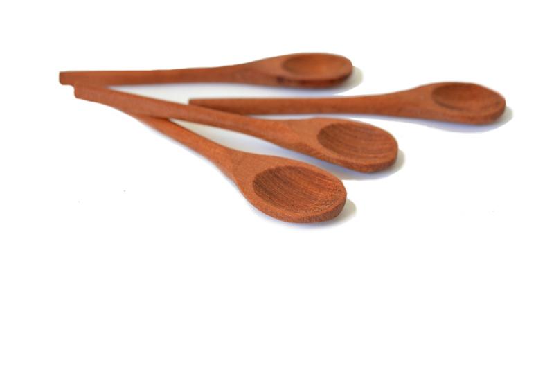 Set de 4 cucharitas rústicas en madera de raulí