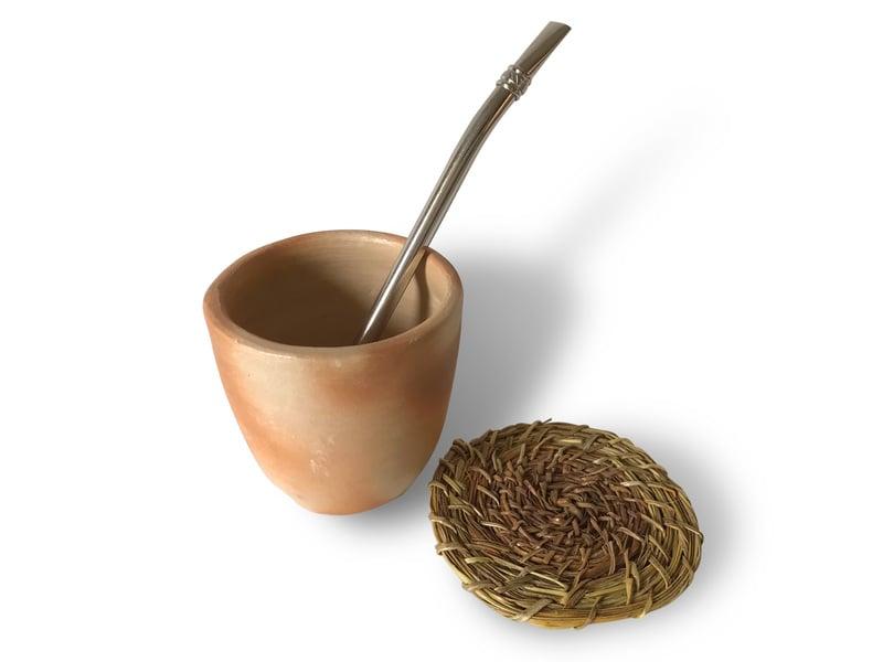 Mate en cerámica con posavaso en fibra vegetal