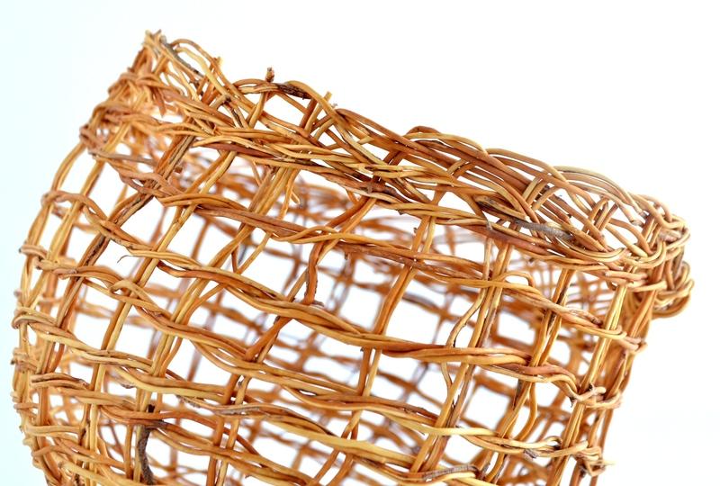 Canasto calado rústico en fibra de quilineja