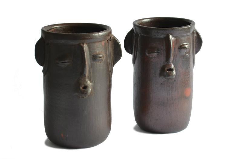 Portabotellas o utensilios cerámica negra