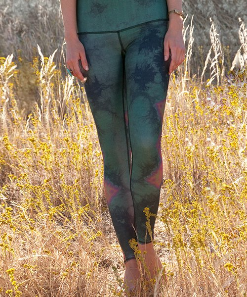 EAGLE FEATHER GREEN HOT PANT