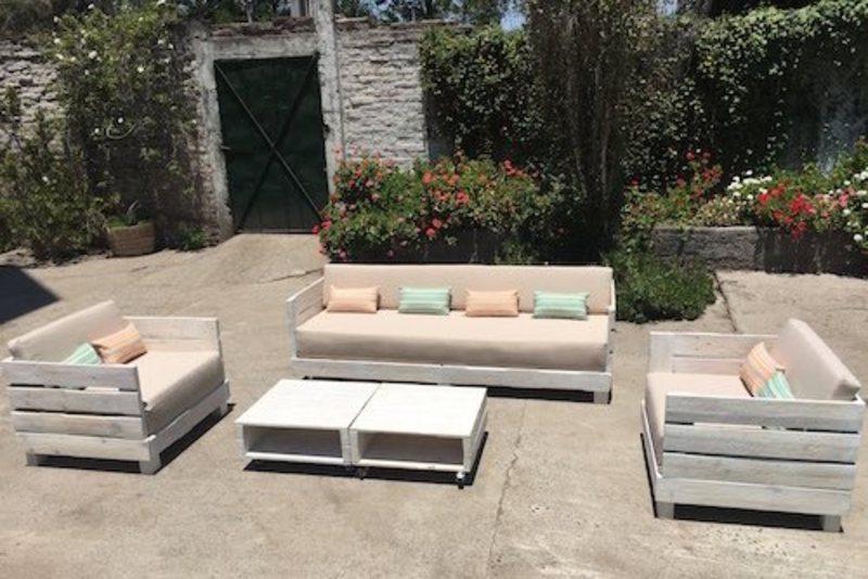 Juego de living de terraza de pallet sole terrazachic for Juegos de living para jardin