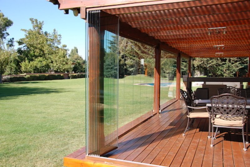 Cierre de espacios exteriores con cortinas de cristal for Cortinas para terrazas exteriores
