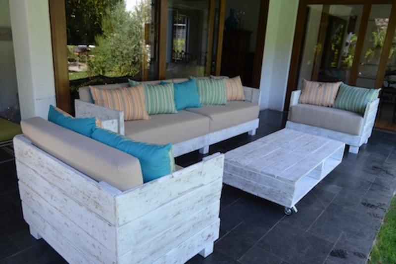 Juego de living de terraza de pallet sole terrazachic for Juego terraza jumbo