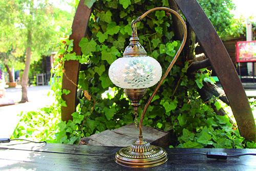 Lámpara turca de mesa cisne M
