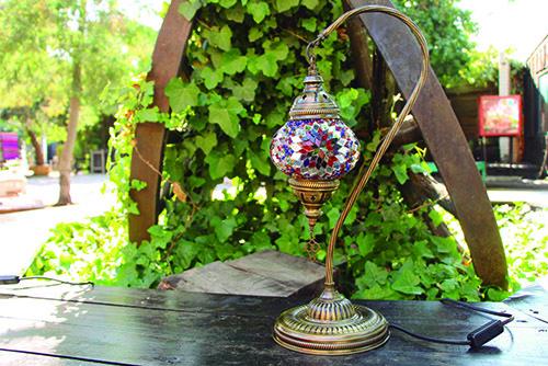 Lámpara turca de mesa de cisne S