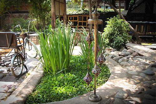 Lámpara turca de pie con 5 tulipas medianas colgantes