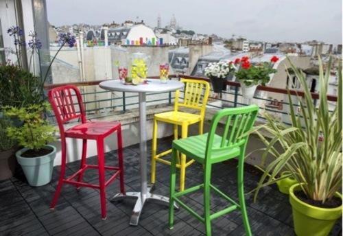 sillas_y_mesas_altas_para_la_terraza