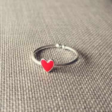 Anillo de Plata Corazón Rojo