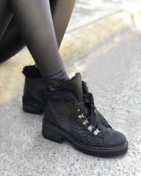 200545 Negro