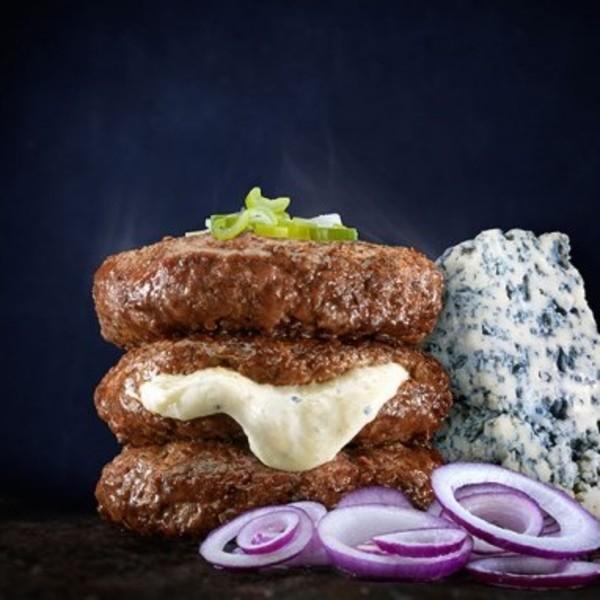 Hamburguesas rellenas de queso azul