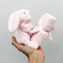 Peluche conejo con tuto