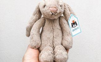 Peluche de conejo pequeño