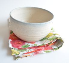 Revisa nuestras lindas y variadas opciones de fuentes de cerámica gres para llevar ensaladas a tu mesa