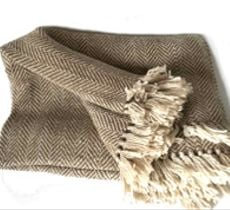 Gran piecera diseño zig zag en alpaca tonos cálidos