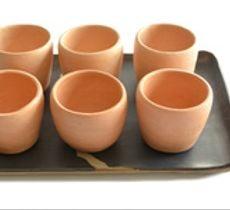 Bandeja gres y 6 vasos medianos cerámica Pañul