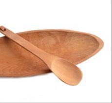 Fuente ovalada con cuchara en raulí nativo