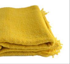 Echarpe de lana en alegre color amarillo