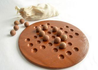 Este juego Solitario en cerámica gres puede ser el regalo perfecto esta navidad: entretenido y decorativo