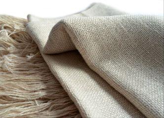 De lino, lana o algodón: ¡cualquier chal sirve para llevar al parque y hacer un entretenido picnic dieciochero!