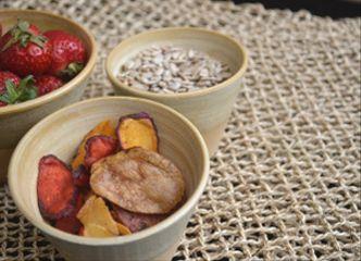 ¡Hasta los picoteos más simples tienen otro sabor en cuencos y pocillos diferentes!