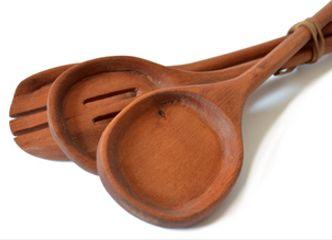 Nada como las maderas nativas para dar un toque rústico a tus fuentes y ensaladeras...Revisa nuestras opciones aquí