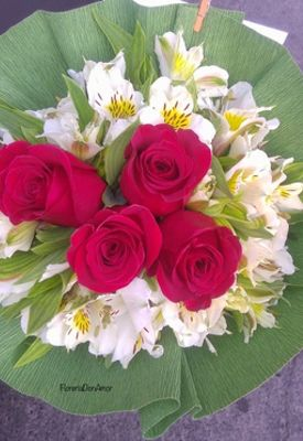 4 rosas.JPG