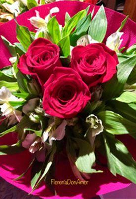 3 rosas.JPG