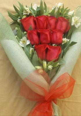 Ramo 9 Rosas Esmoquin