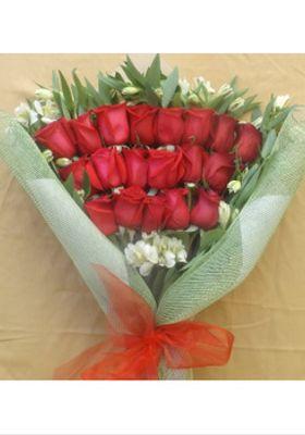 Ramo 18 Rosas Esmoquin