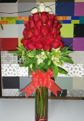 Florero 50 Rosas Forma Arbol