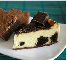 Cheesecake Aniversario con Fudge Brownie