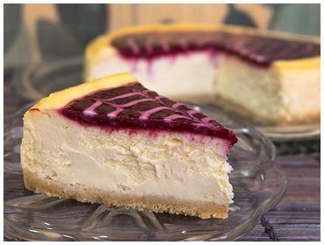 Cheesecake Clásico con Salsas de Frutas