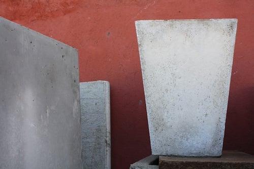 Macetero de concreto cuadrado cónico de 60 x 60