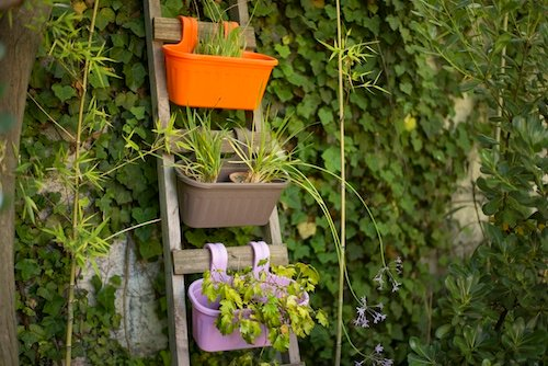 Jardinera con doble gancho
