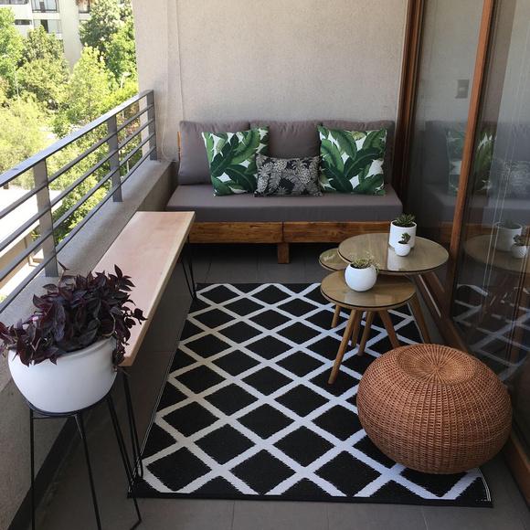Terraza de 150 cm de ancho: Sofá cómodo + banca empotrada