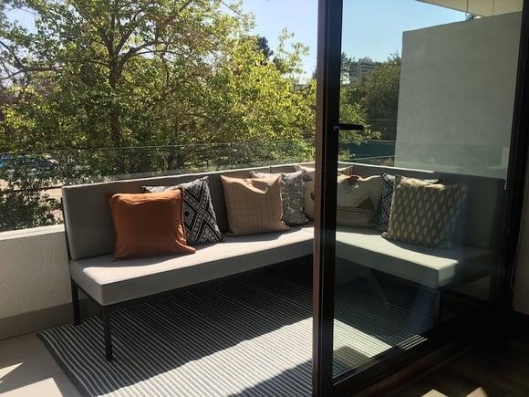 Terraza de 155 cm de ancho: Sofá de fierro en L
