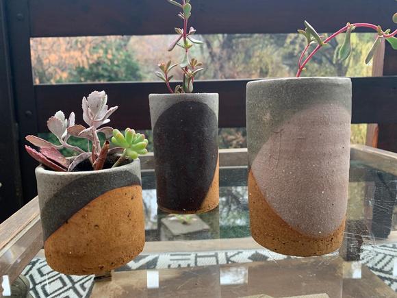 Macetero tubular de cerámica de gres pequeño