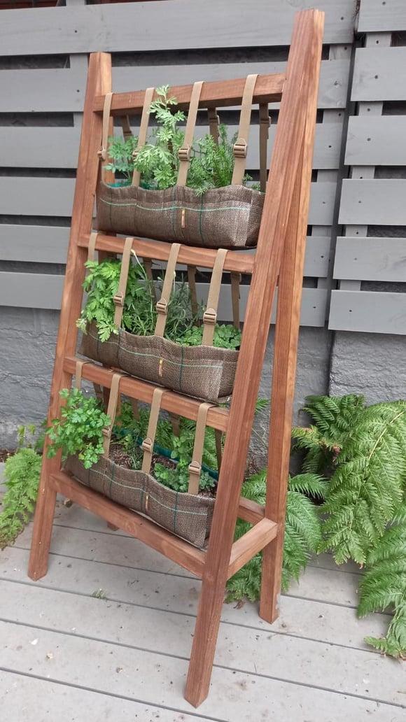 Huerta vertical para 9 especies