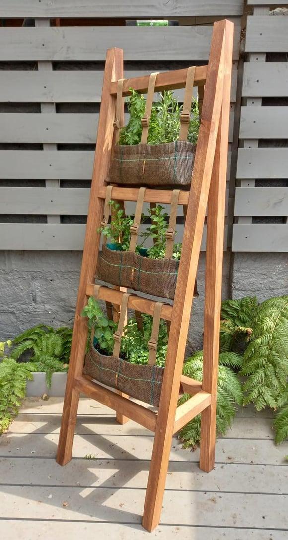 Huerta vertical para  6 especies