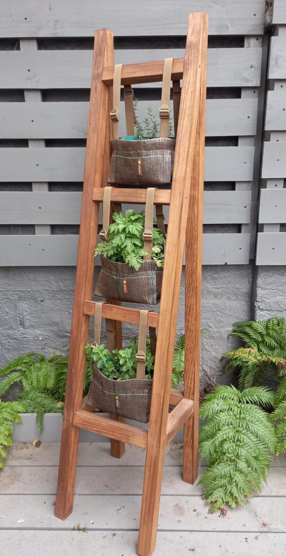 Huerta vertical para 3 especies