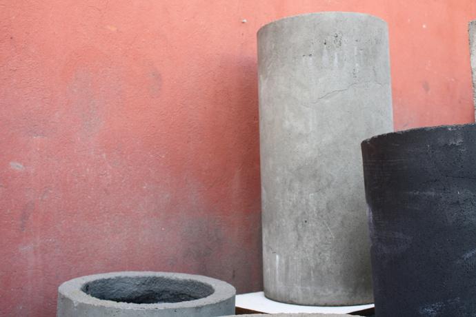 Macetero cilíndrico de cemento de 80 cm -